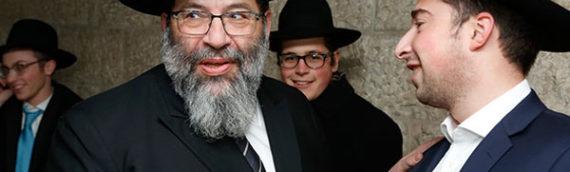 Rav Bender Visits Alumni in Israel