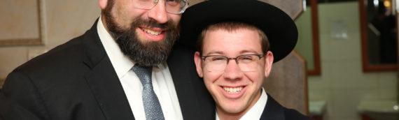 R' Moshe Bender Visits Alumni in Israel